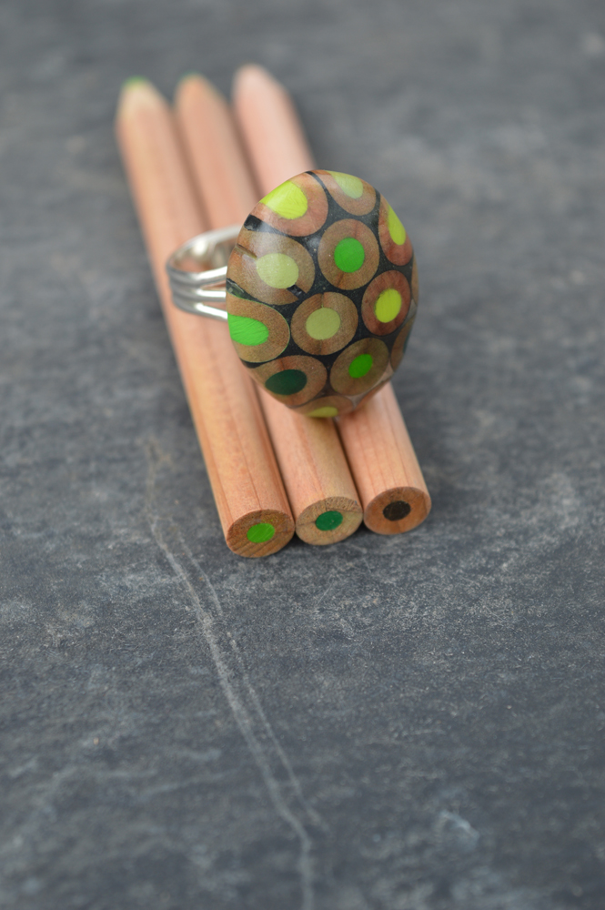 green pencil ring