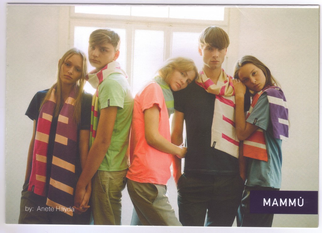 The cool graphic mammu scarves